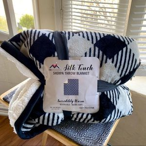 Silk Touch, Sherpa Throw Blanket